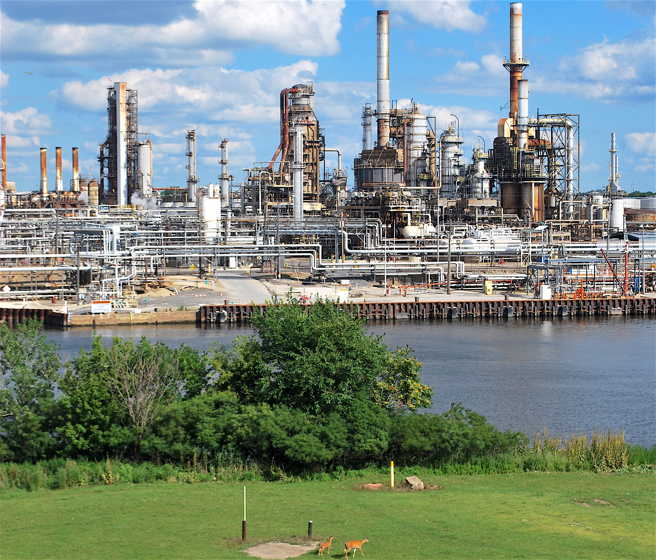 Photograph of Energy Solutions refinery